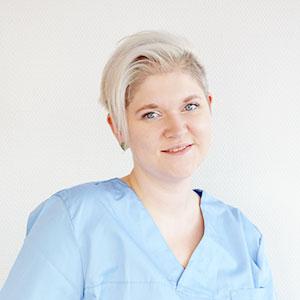 Zahnarzt Mitarbeiter Portrait ohne Maske