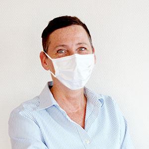 Zahnarzt Mitarbeiter Portrait mit Maske